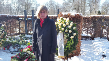 Bezirksrätin Helga Hügenell